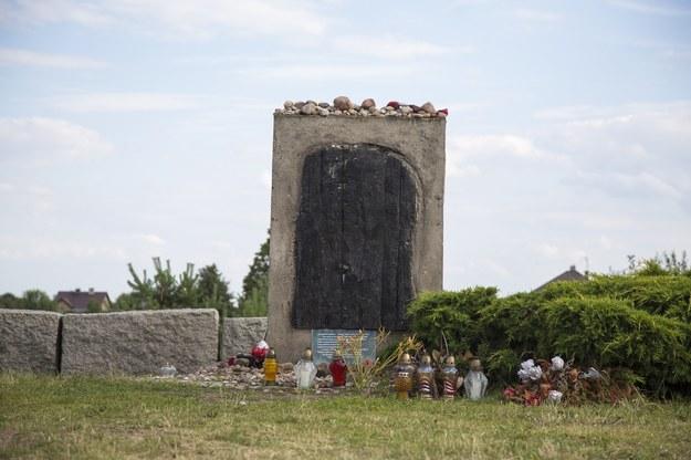 Pomnik w Jedwabnem /Marek Maliszewski  /Reporter
