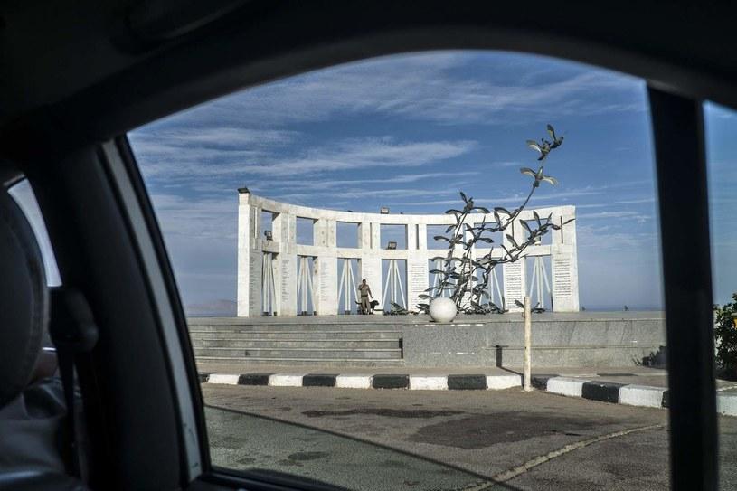 Pomnik w Szarm el-Szejk poświęcony ofiarom katastrofy /KHALED DESOUKI/KD /AFP
