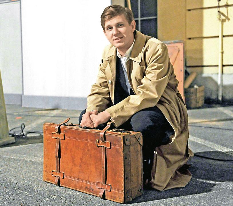 – Pomnik wystawiono mu w Kotłasie, mieście, w którym zginął. Naszej produkcji nie postrzegamy w takich kategoriach – mówi Antoni Królikowski /Tele Tydzień