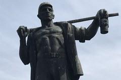 Pomnikowy zawrót głowy. Nie wszyscy na Śląsku chcą burzyć komunistyczne monumenty