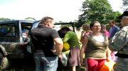Pomoc dla Bogatyni przyjechała samochodami terenowymi