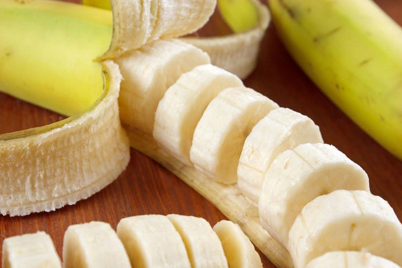 Pomoże plasterek banana /123RF/PICSEL