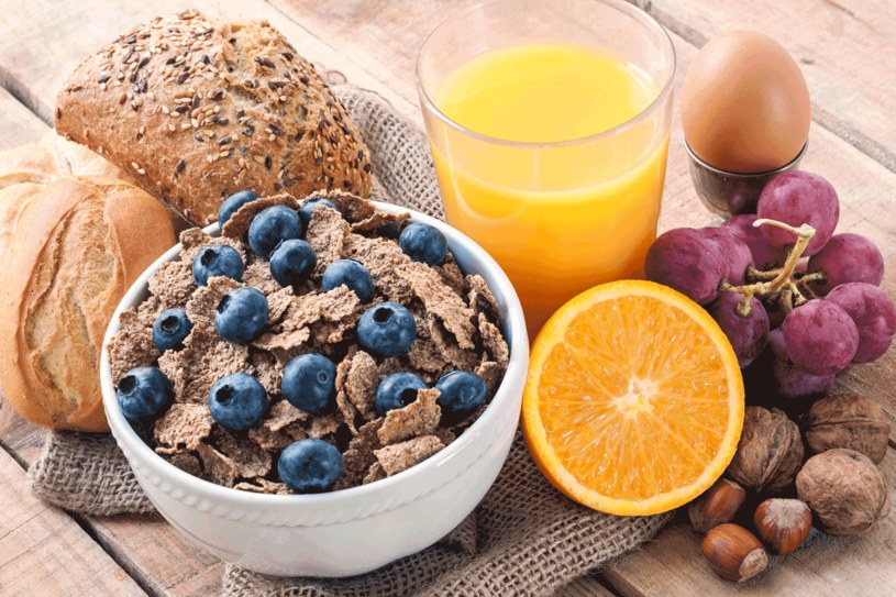 Pomoze właściwa dieta /123RF/PICSEL