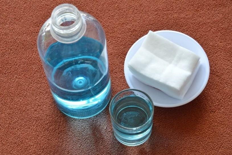 Pomoże woda utleniona /©123RF/PICSEL
