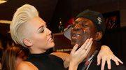 Pomylił Miley Cyrus z Gwen Stefani! Zobacz