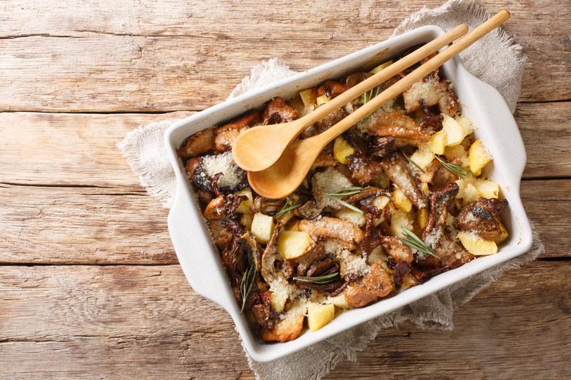 Pomysł na obiad: Zapiekane ziemniaki z borowikami /123RF/PICSEL