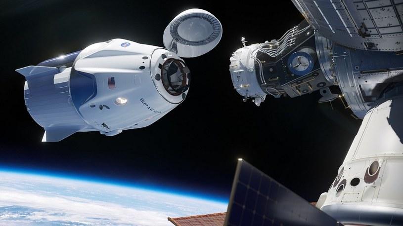 """Pomyślny start Falcona z załogową kapsułą Dragon-2. """"To historyczny moment"""" /Geekweek"""