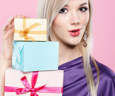 Pomysły na świąteczne prezenty dla kobiet