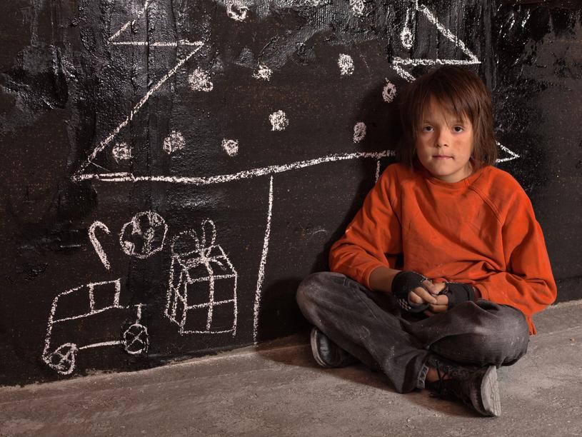 Ponad 1,2 mln dzieci w naszym kraju zagrożonych jest ubóstwem i wykluczeniem społecznym/Picsel /Szlachetna Paczka