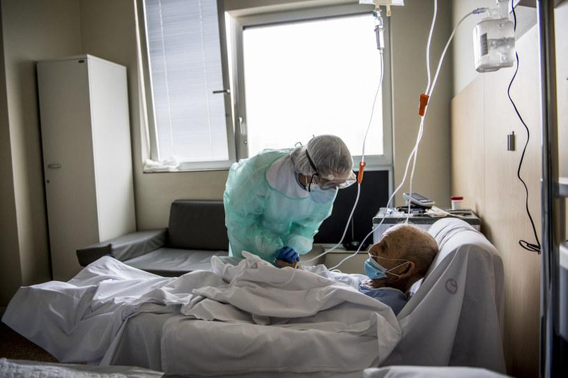 Ponad 18 tys. zakażeń w ciągu doby w Hiszpanii /Carlos Gil /Getty Images