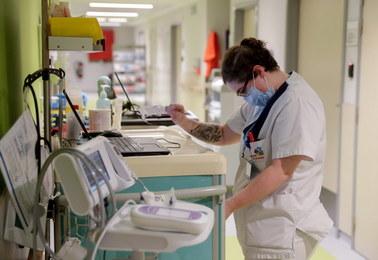 Ponad 20 tysięcy zakażeń na 35 tys. wykonanych testów. Nowe dane MZ nt. epidemii koronawirusa