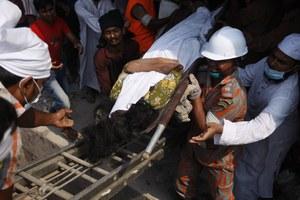 Ponad 300 ofiar śmiertelnych zawalenia się budynku. Najnowszy bilans