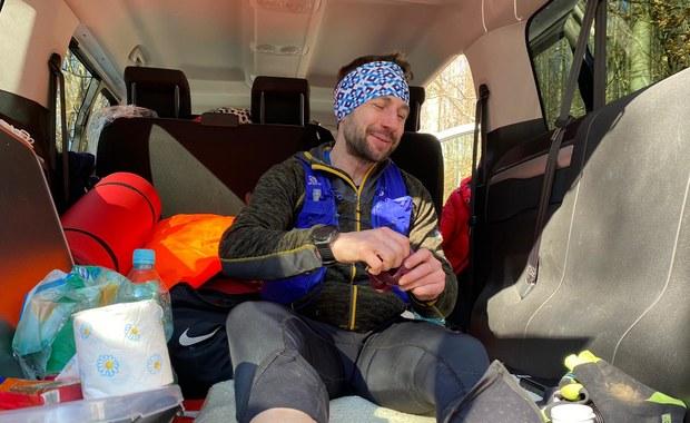 """Ponad 370 km i niewiele ponad 88 godzin. Daniel Stroinski przebiegł """"Trójkąt Sudecki"""""""