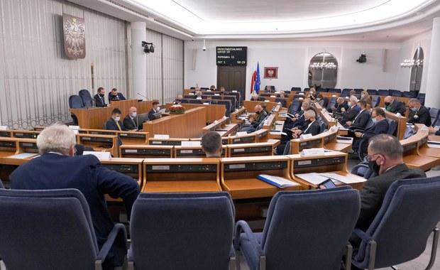 Ponad 40 poprawek przegłosowanych. Ustawa covidowa opuszcza Senat