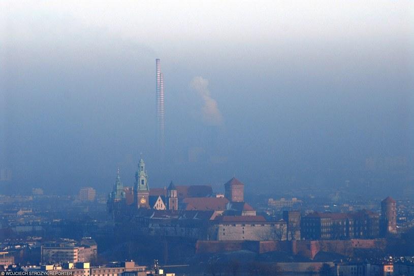 Ponad 40 tys. Polaków rocznie umiera na choroby związane z zanieczyszczeniem powietrz /Wojciech Stróżyk /Reporter