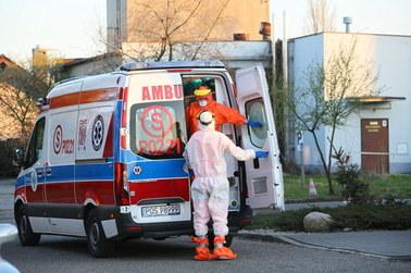 Ponad 400 ofiar koronawirusa w Polsce. We Włoszech znów wzrost liczby zgonów osób zarażonych [RELACJA]