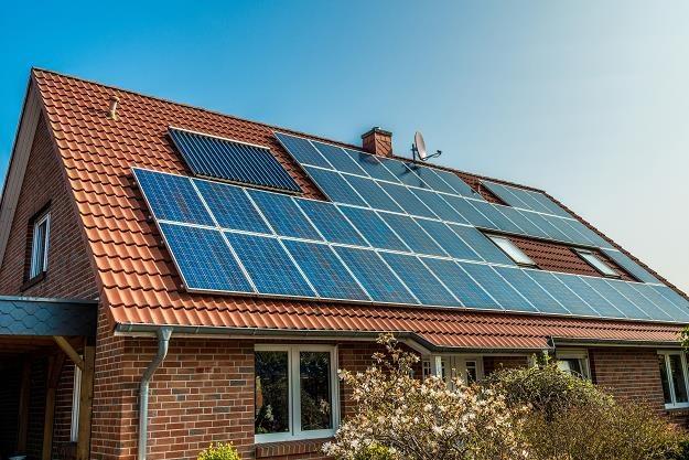 Ponad 50 tys. Polaków stało się producentami energii elektrycznej /©123RF/PICSEL