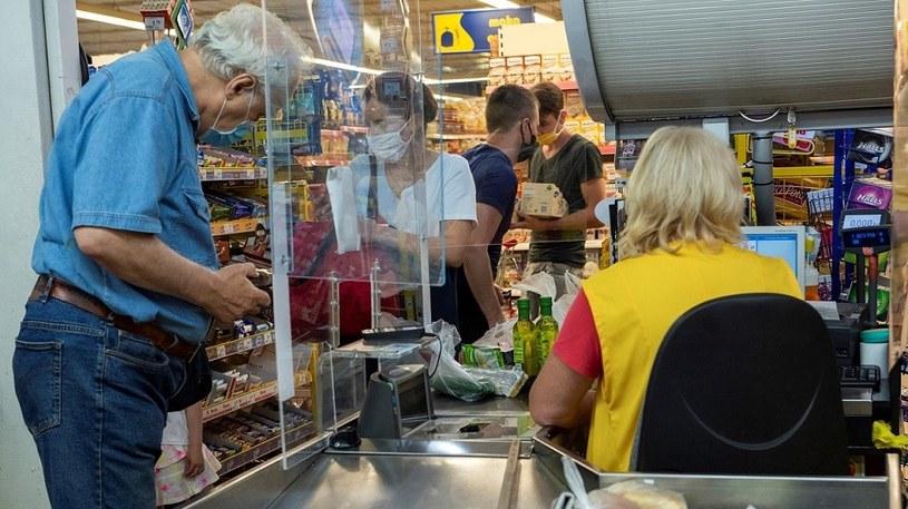 Ponad 53 proc. Polaków jest za zniesieniem zakazu handlu w niedziele /MondayNews