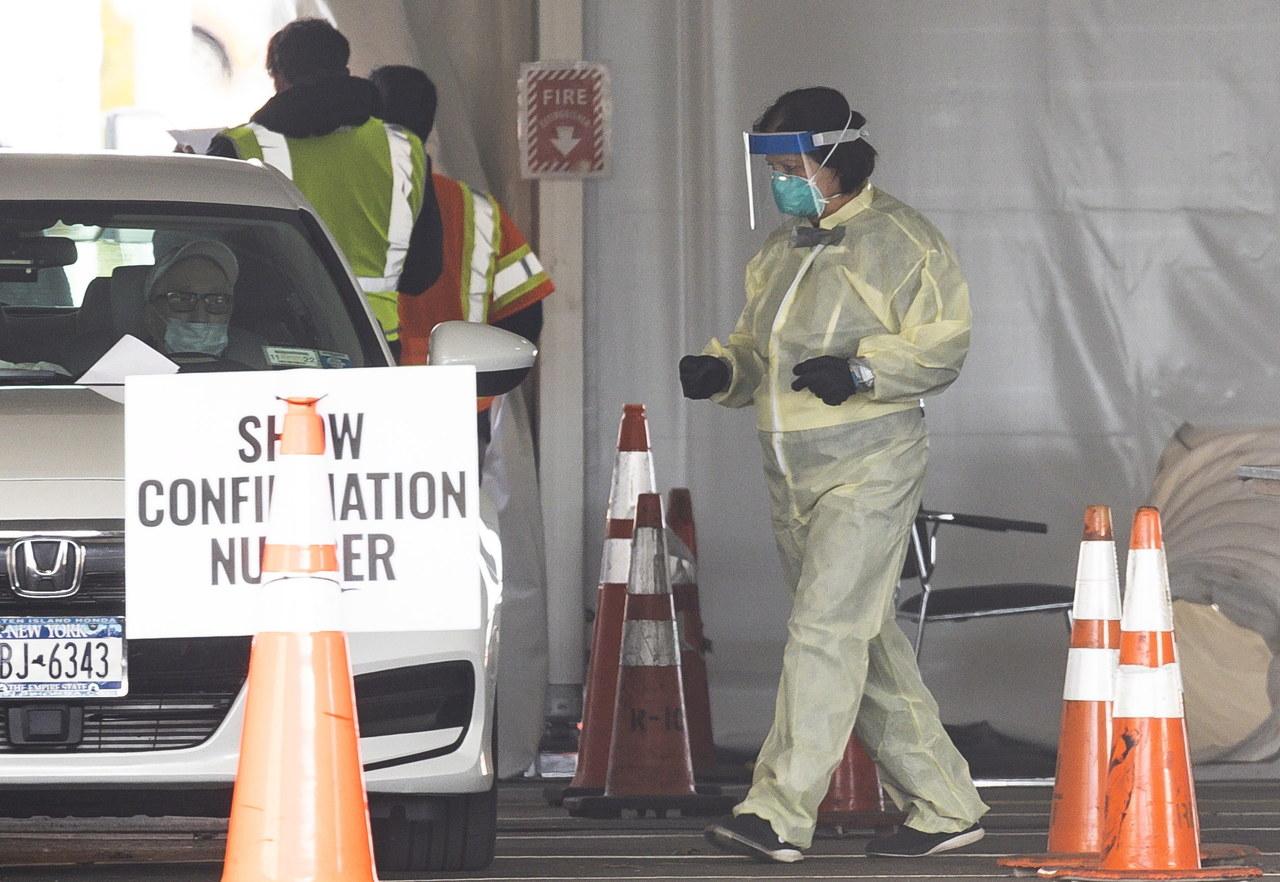 Ponad 60 mln przypadków koronawirusa na świecie. Niemcy przedłużą częściowy lockdown [RELACJA]