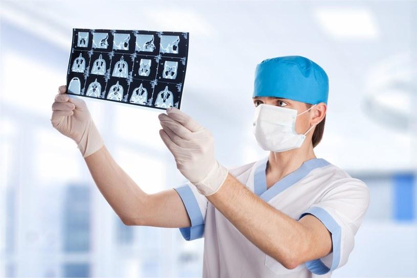 Ponad 70 proc. młodych onkologów w Europie jest wypalonych zawodowo. /123RF/PICSEL