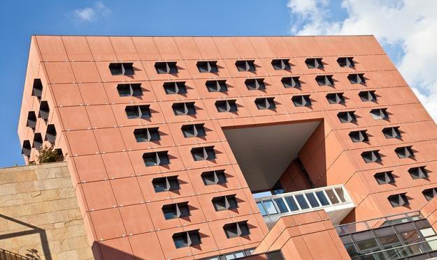 Ponad 700 tys. m kw. powierzchni biurowych zostanie w stolicy oddanych do użytku do końca 2013 roku /© Panthermedia
