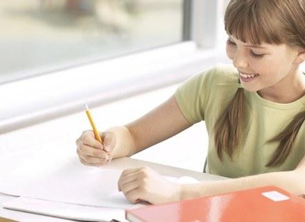 Ponad 90 proc. Polaków chce, by ich dzieci uczyły się obowiązkowo języka angielskiego. /ThetaXstock