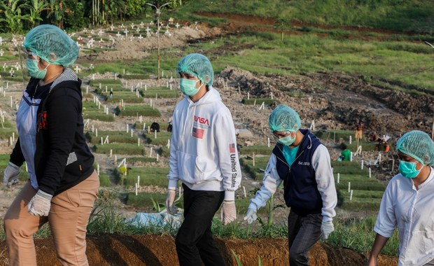Ponad 90 tysięcy zakażeń koronawirusem i 2,5 tysiąca ofiar. GIS: Wzrost zachorowań w okolicach Bożego Narodzenia [30 września 2020]