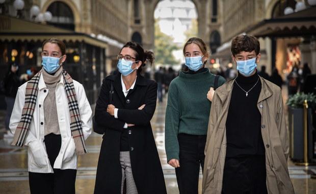 Ponad milion zakażeń w Hiszpanii. Rosja chce stworzyć szczepionkę na grypę i koronawirusa [RAPORT DNIA]