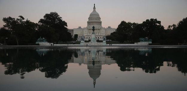 Ponad połowa członków Kongresu to milionerzy /AFP