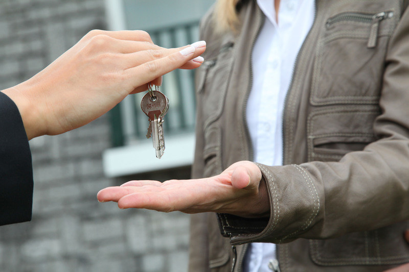 Ponad połowę mieszkań dla najważniejszych osób w państwie zajmują ci, którym one nie przysługują /© Panthermedia