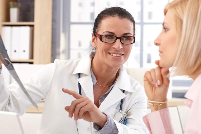 Ponad sto hormonów krąży w naszej krwi. Gdy jest ich za dużo albo za mało, mamy kłopoty ze zdrowiem /123RF/PICSEL