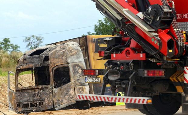 Ponad trzydzieści osób rannych w wypadku pod Częstochową. Na trasie zderzyły się ciężarówki i autokar