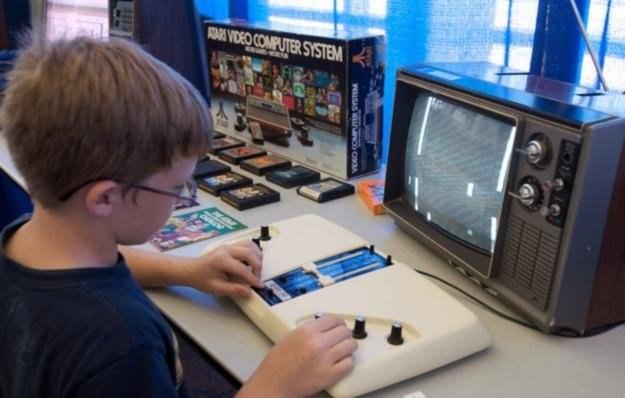 """""""Pong"""" w wersji klasycznej - jedna z najbardziej kultowych gier w historii branży /AFP"""