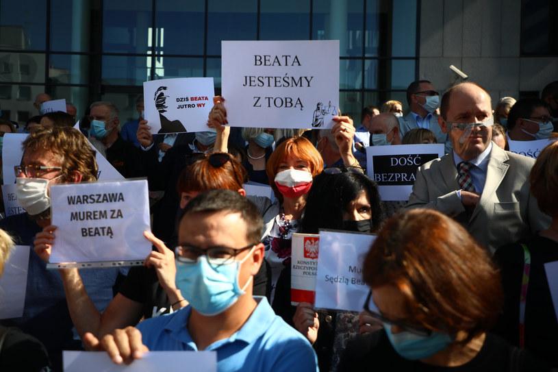 Poniedziałkowa (21 września) manifestacja w Krakowie /Beata Zawrzel /Reporter