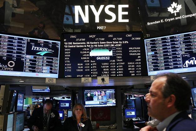 Poniedziałkowa sesja na Wall Street przyniosła wzrosty głównych indeksów /AFP