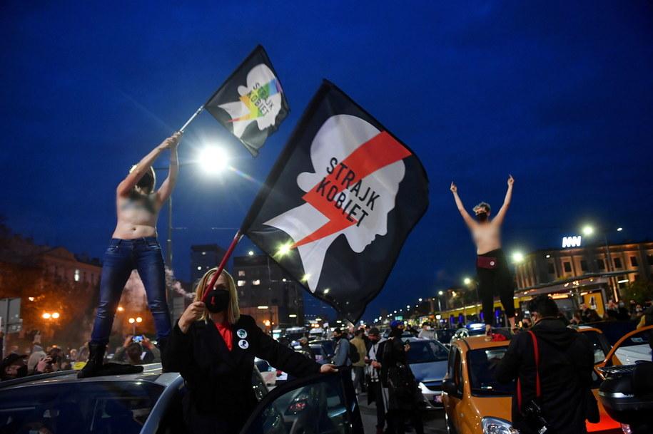 Poniedziałkowe protesty na warszawskich ulicach / Radek Pietruszka   /PAP