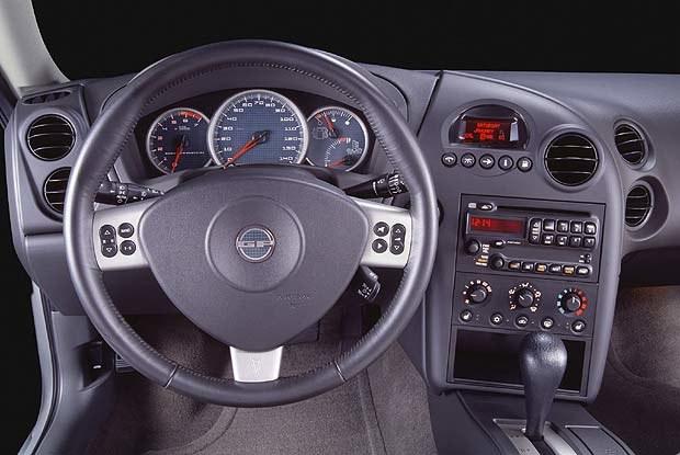 Pontiac Grand Prix 2004 (kliknij) /INTERIA.PL