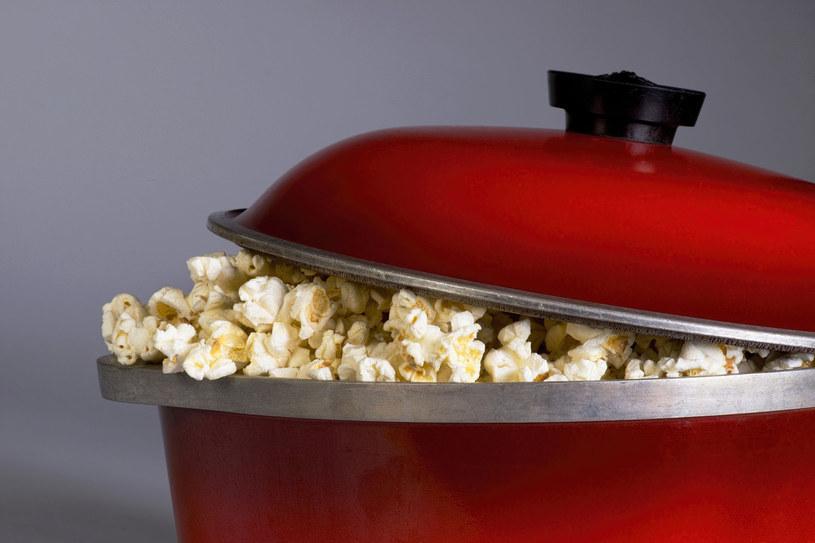 Popcorn to rekordzista wśród przekąsek /123RF/PICSEL