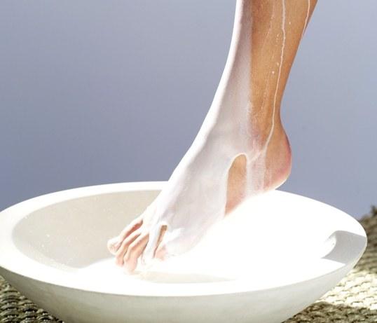 popękane stopy /© Photogenica