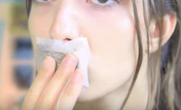 popękane usta zielona herbata /© Photogenica