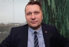 Popiera kary cielesne, nagradzał za walkę z LGBT. Kim jest Przemysław Czarnek?