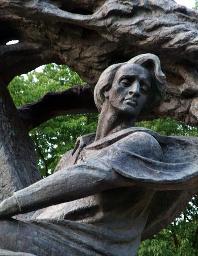 Popiersie Fryderyka Chopina z pomnika w Łazienkach w Warszawie. Fot. Krzysztof Chojnacki /Agencja SE/East News