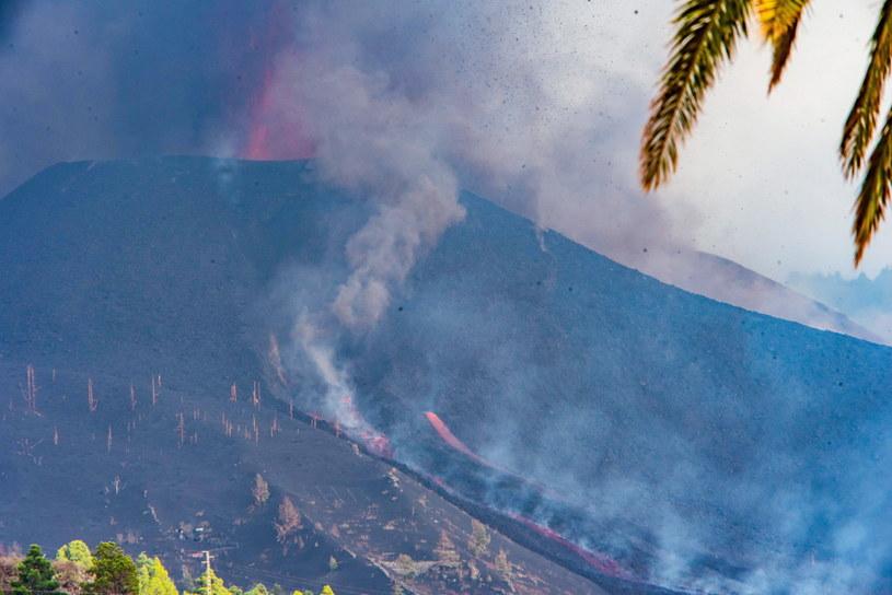 Popiół wulkaniczny z La Palmy dotarł na sąsiednie wyspy /PAP/EPA/Miguel Calero /PAP