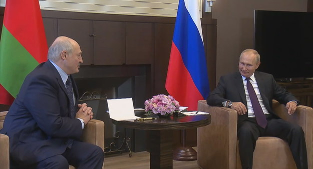 """""""Poprosiłem prezydenta Rosji o niektóre typy broni"""" - powiedział Aleksandr Łukaszenka /KREMLIN / HANDOUT /PAP/EPA"""
