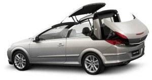 Poprzednia generacja oplowskiego kabrioletu - Astra TwinTop - miała stalowy dach. Jej nadwozie mierzyło 448 cm długości. /Opel
