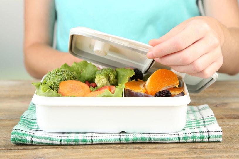 Popularna dieta pudełkowa może być szkodliwa /123RF/PICSEL