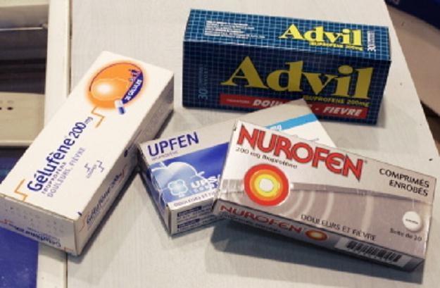 Popularne leki przeciwbólowe na bazie ibuprofenu /PAP