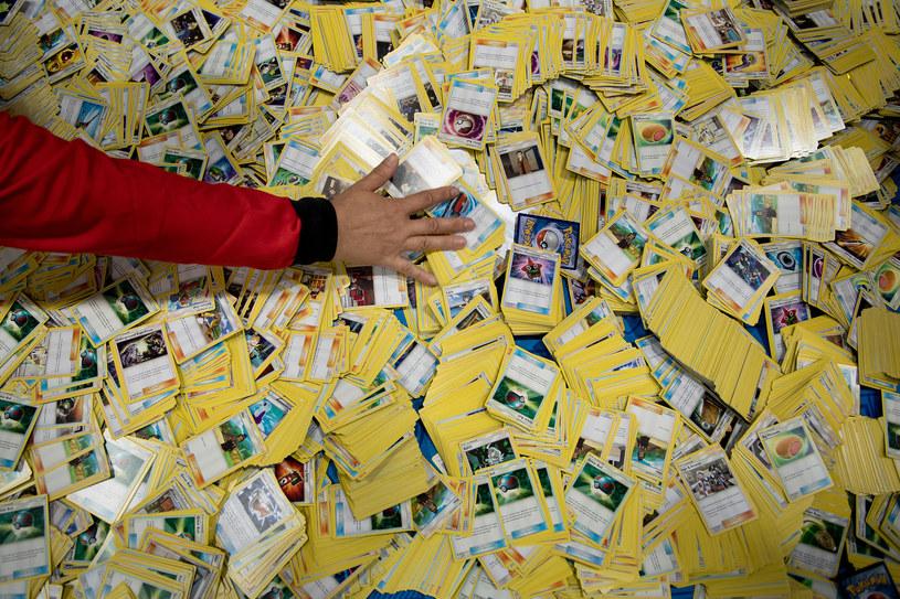 Popularne w latach 90. karty Pokemon znów modne /AFP