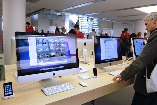 Popularność komputerów Apple nieustannie rośnie /AFP