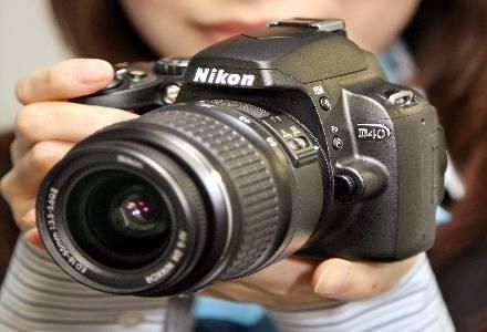 Popularnością wśród amatorów cieszyła się linia tanich lustrzanek Nikona: D40, D40X i D60 /AFP